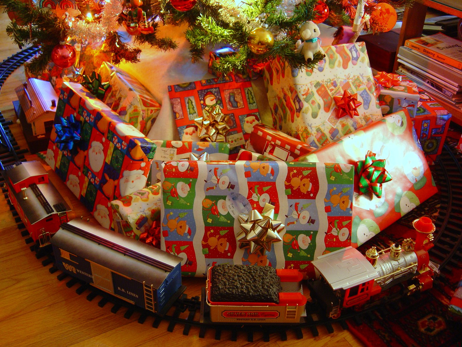 Christmas Tree With Toys : Christmas thoughts in right cogency